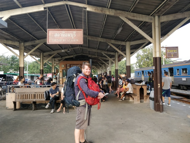 Ste at Thonburi Station, Bangkok.